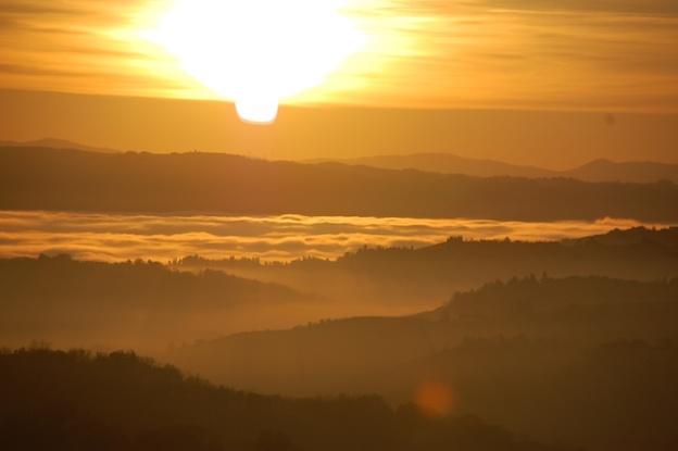 mistige-zonsondergang-toscane-1