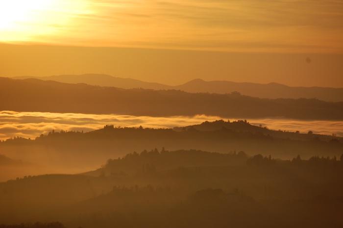 mistige-zonsondergang-toscane-2