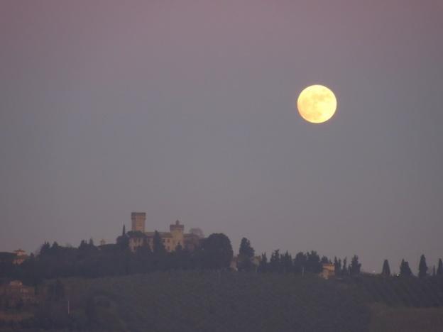 de-maan-boven-toscane-2