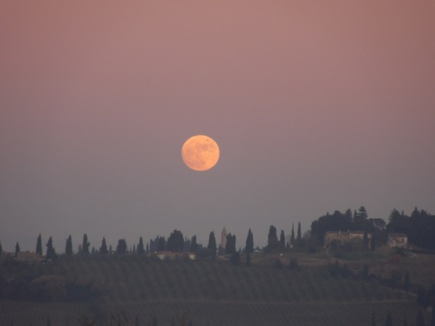 de-maan-boven-toscane-4