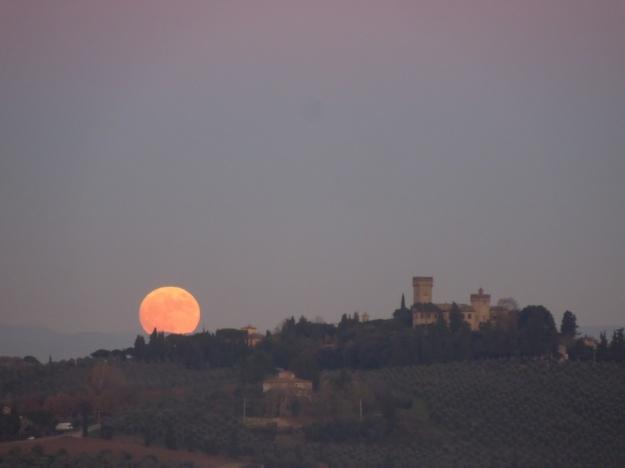 kasteel-met-maan-toscane
